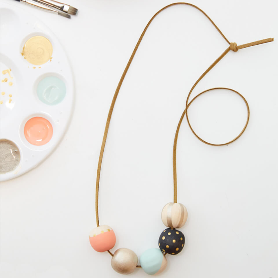 MAKE YOUR OWN DIY PAINTED WOOD BEAD NECKLACE